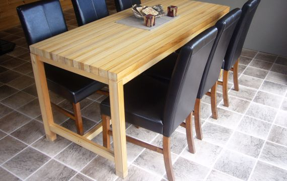 Koura table